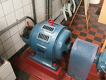 Elektromotor vacuümpomp Museumgemaal Cremer Termuntenzijl